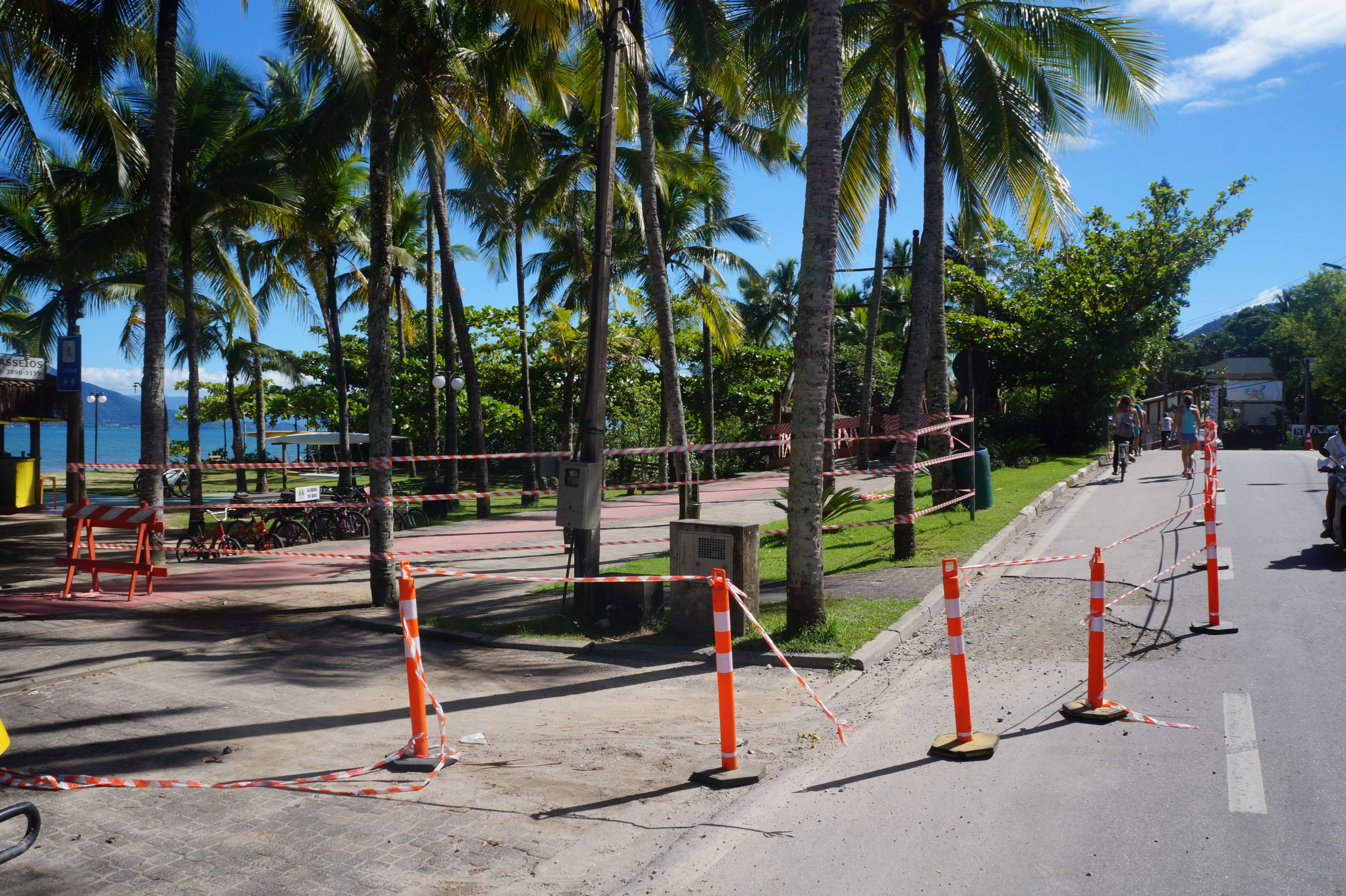 Ponte no Perequê é interditada pela Defesa Civil em Ilhabela