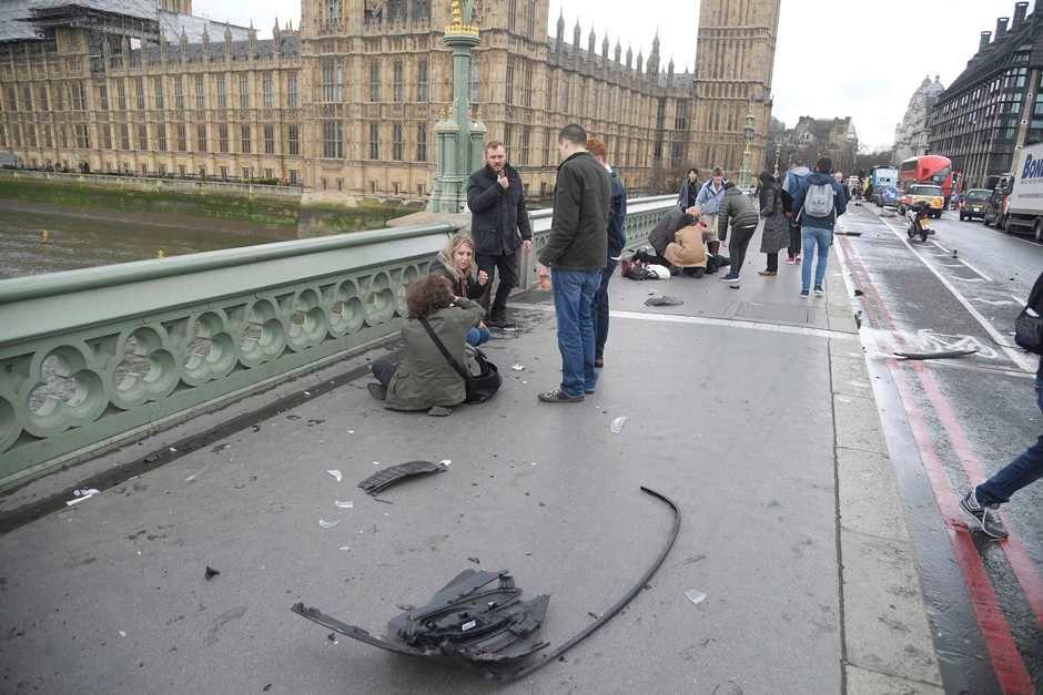 Atentado em Londres: quatro mortos e ao menos 20 feridos
