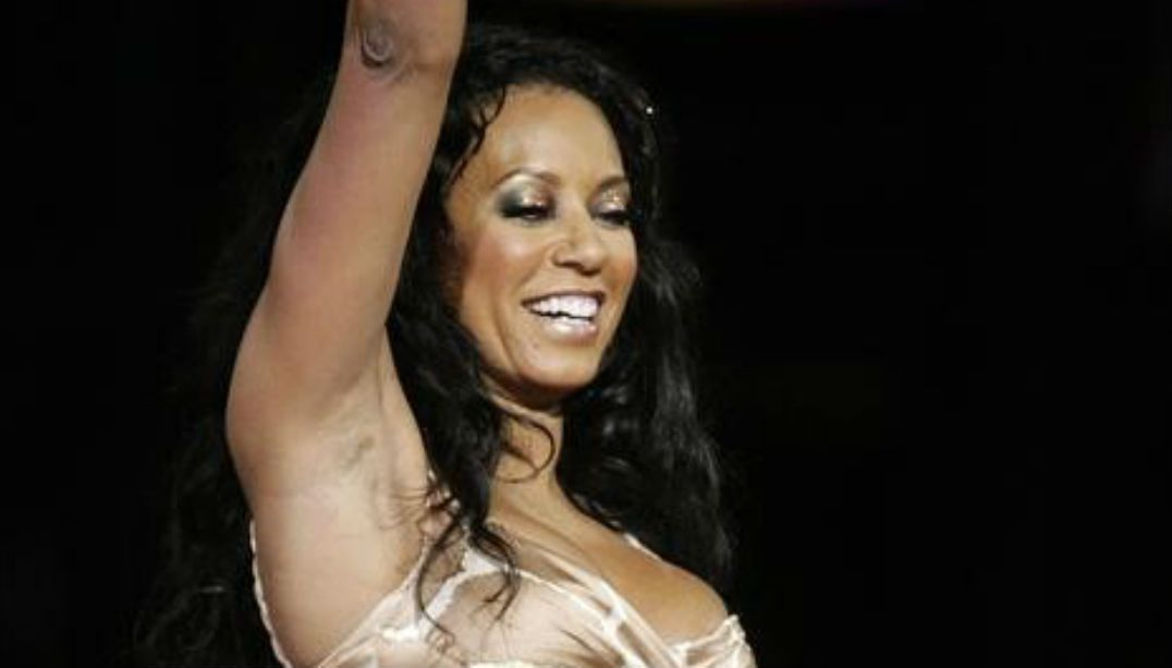Spice Girl Mel B pede divórcio após dez anos de casamento
