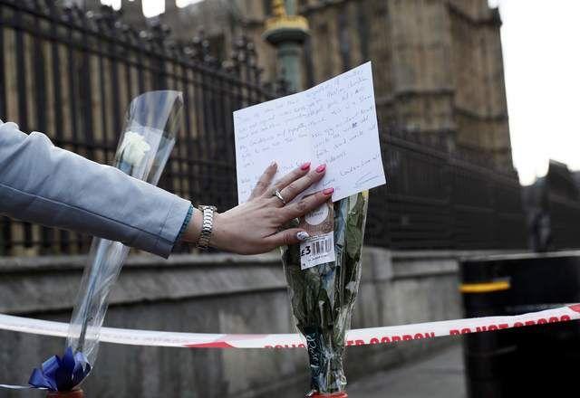 Londres: Polícia identifica reponsável por ataque