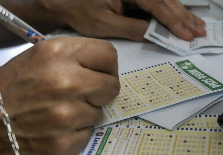 Pela proposta, Caixa continuaria administrando as loterias que opera, como a Mega-Sena / Marcello Casal Jr/ABr