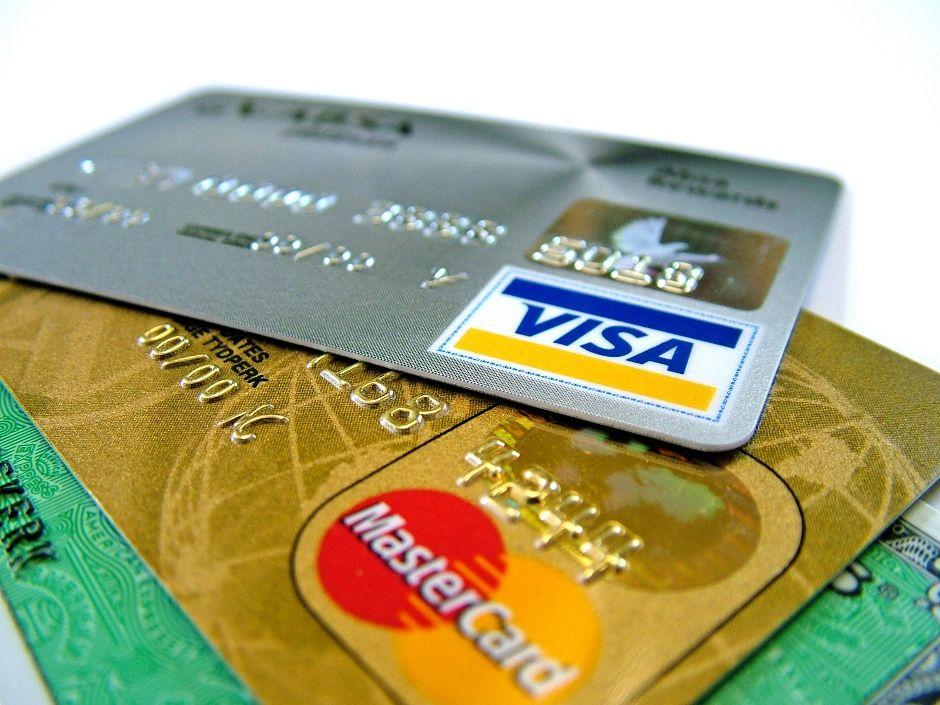 Consumidores ignoram dívida no rotativo do cartão