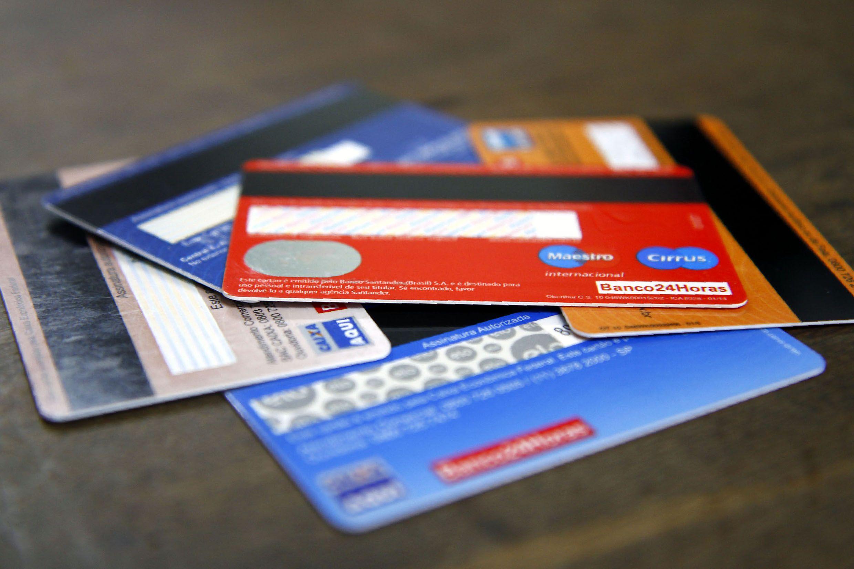 Economista mostra dez erros mais comuns ao gastar dinheiro; veja quais