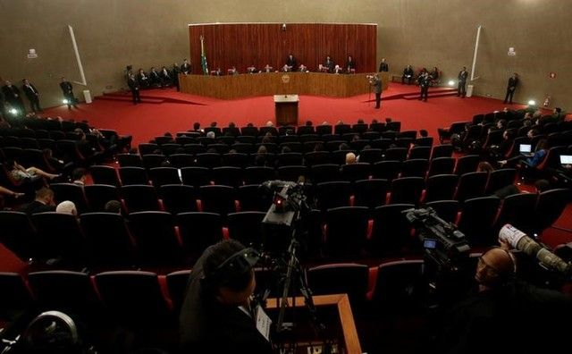Adiamento da decisão sobre chapa Dilma-Temer não surpreende