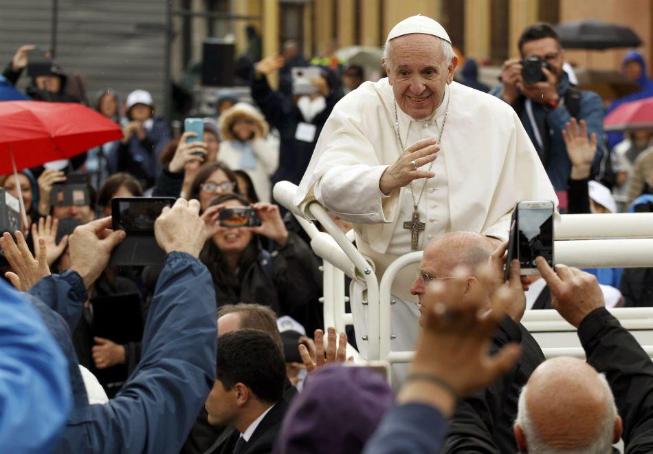 Saiba como participar das audiências do papa