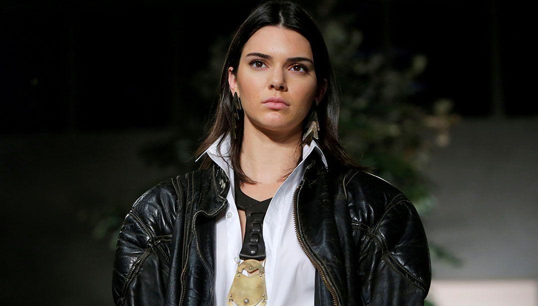 Contrato impede Kendall Jenner de desfilar para a Victoria's Secret