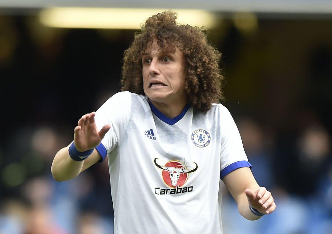 David Luiz foi campeão inglês pela primeira vez / Hannah McKay/Reuters