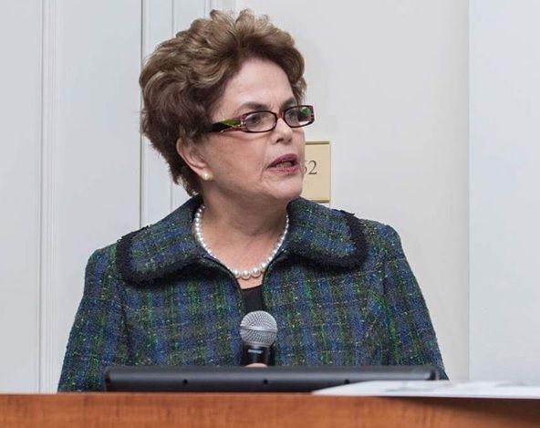 'Me preocupa muito que prendam o Lula', diz Dilma