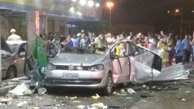 Explosão durante abastecimento de carro mata mulher no RJ