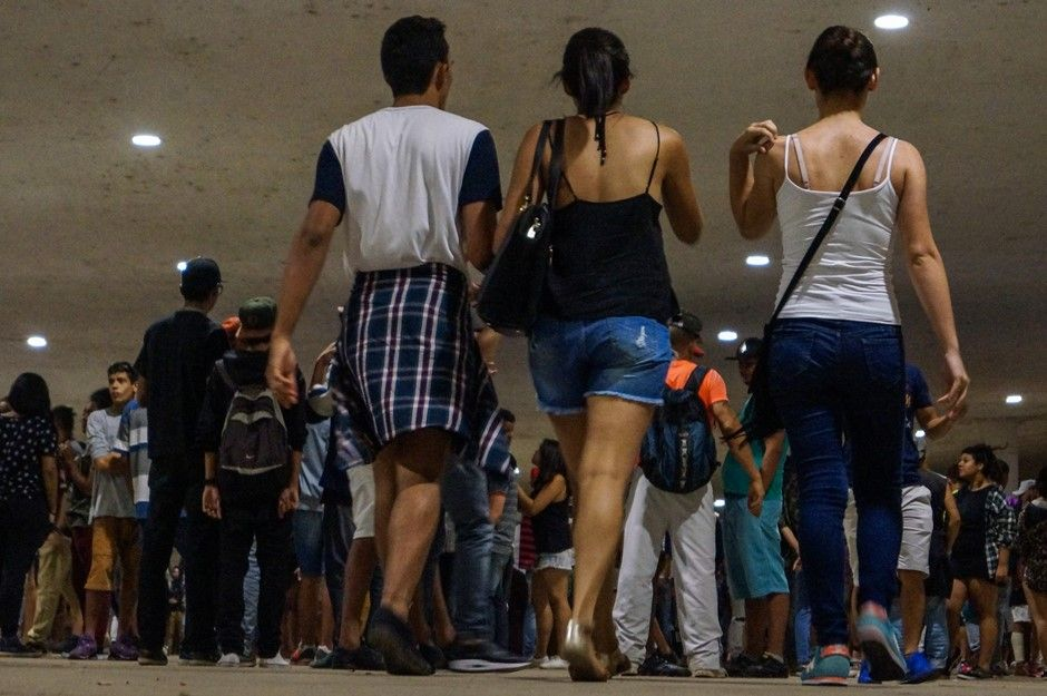 Maioria preferiu assistia a batalhas de rap entre eles ou andava de skate / Marco Ambrosio/Estadão Conteúdo