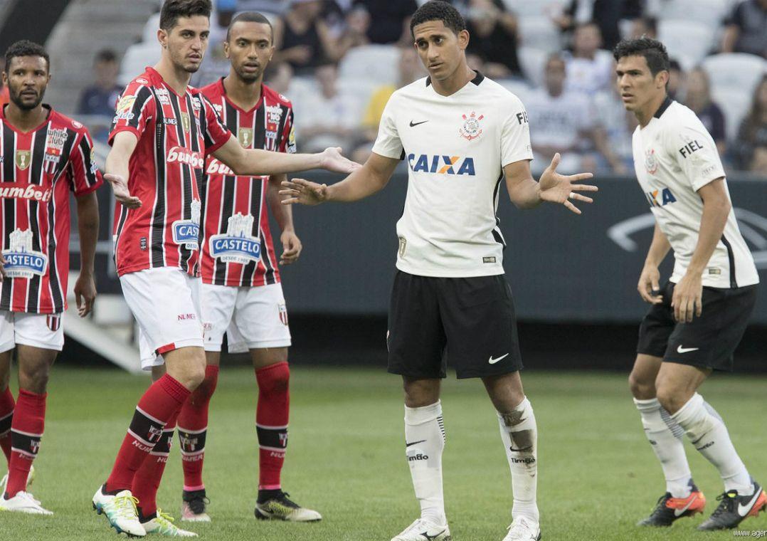 Pablo dá susto em treino, mas não preocupa Corinthians para a final