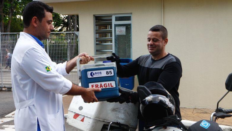 As córneas são enviadas sob refrigeração para um laboratório em Tatuapé, em São Paulo. / Charles de Moura/ PMSJC