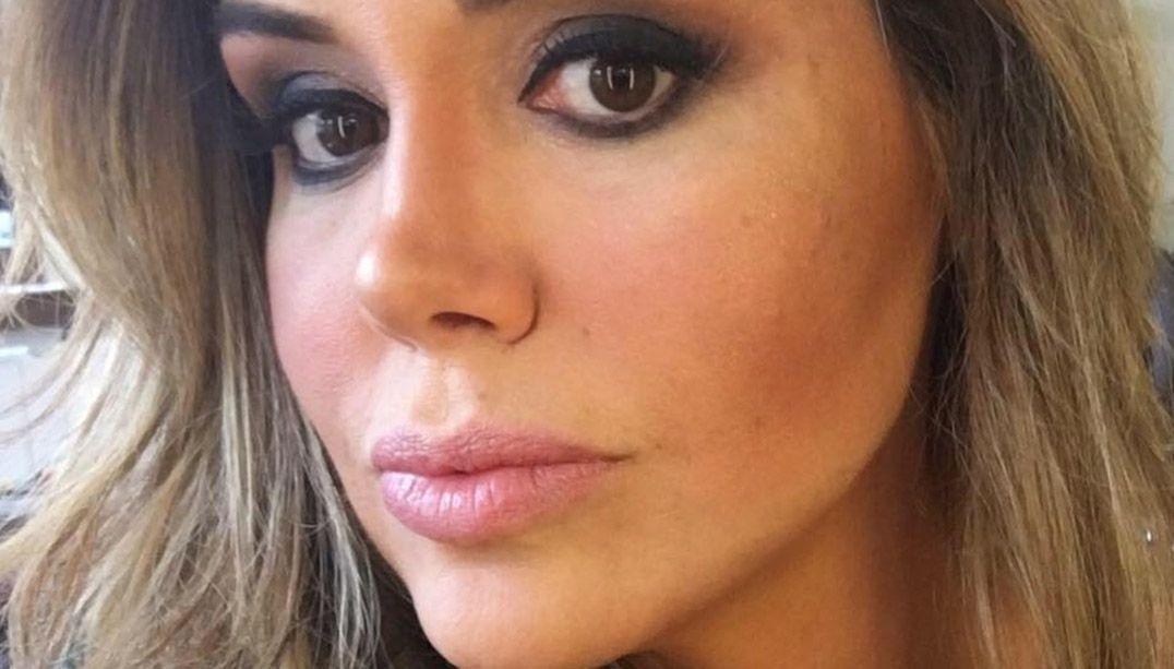 Renata Banhara é internada com infecção grave no cérebro