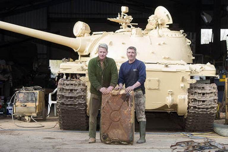 Colecionador acha cinco barras de ouro dentro de tanque russo