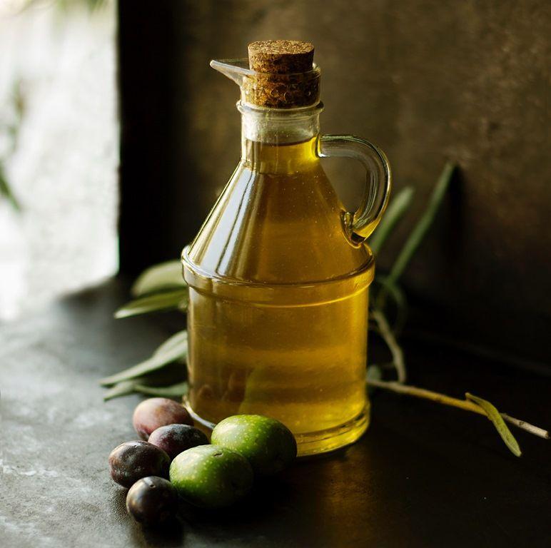 Em alguns casos, produto foi contaminado com azeite lampante, que é impróprio para consumo humano / Roberta Sorge/Unsplash