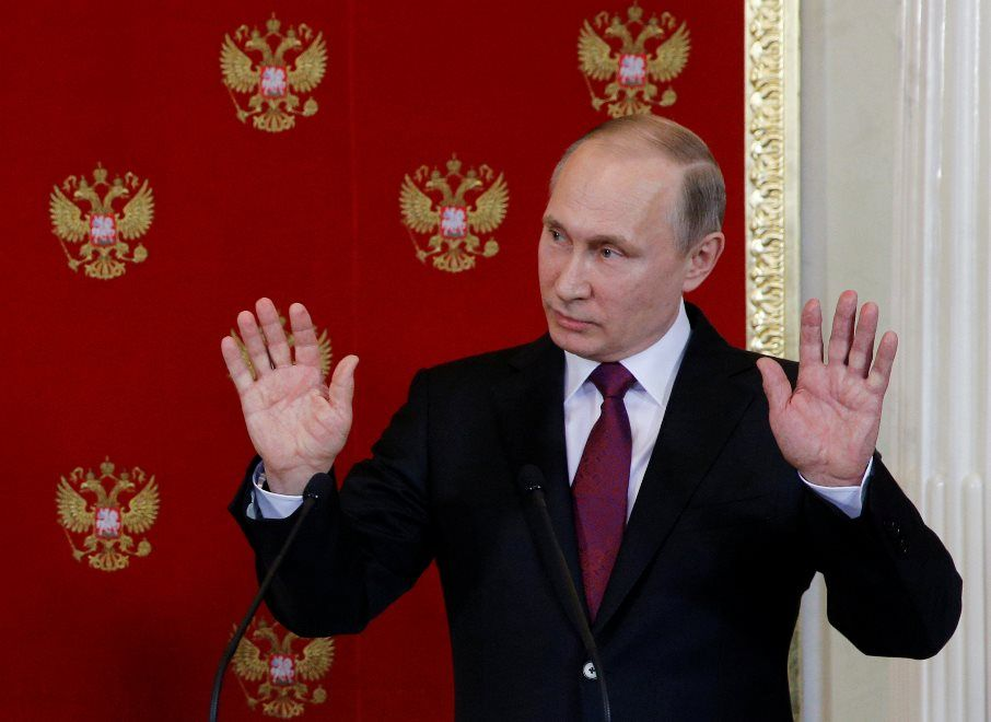 Em tom irônico, Putin oferece asilo a ex-diretor do FBI