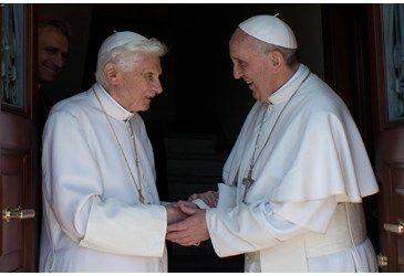 Bento 16 celebra 90 anos e recebe a visita do papa Francisco