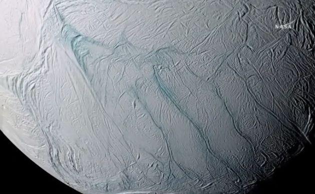 Sonda descobre condições para vida em lua de Saturno
