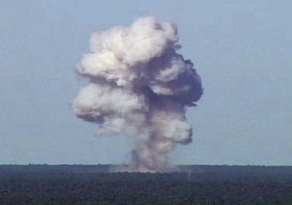 Super-bomba matou 82 extremistas, diz Afeganistão