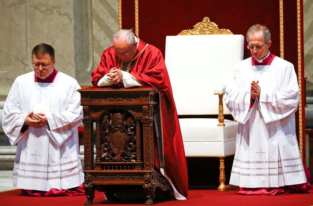 Cerimônia no Vaticano relembra mortes em guerras