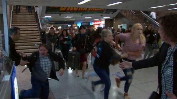 Passageiros entram em pânico no metrô de Nova York
