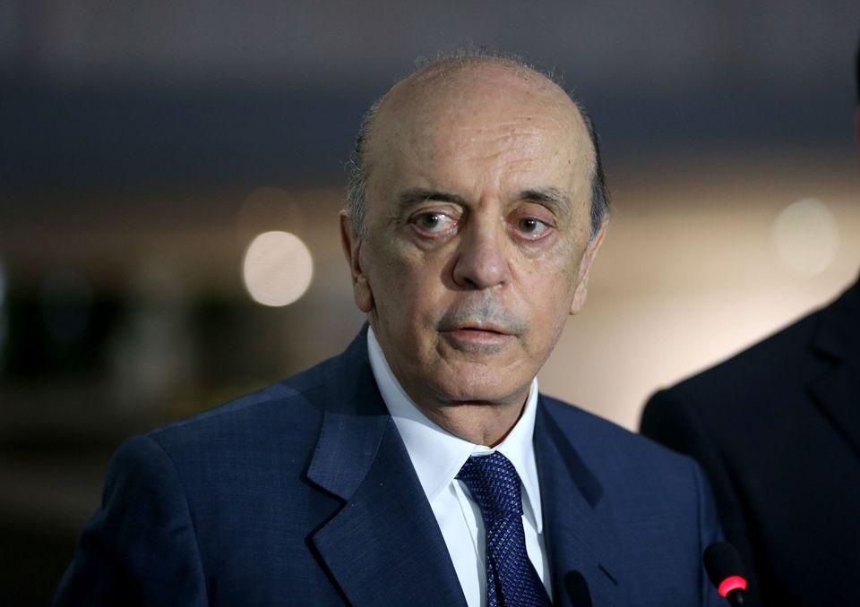 Serra defende reforma política: País está pior que em 1964