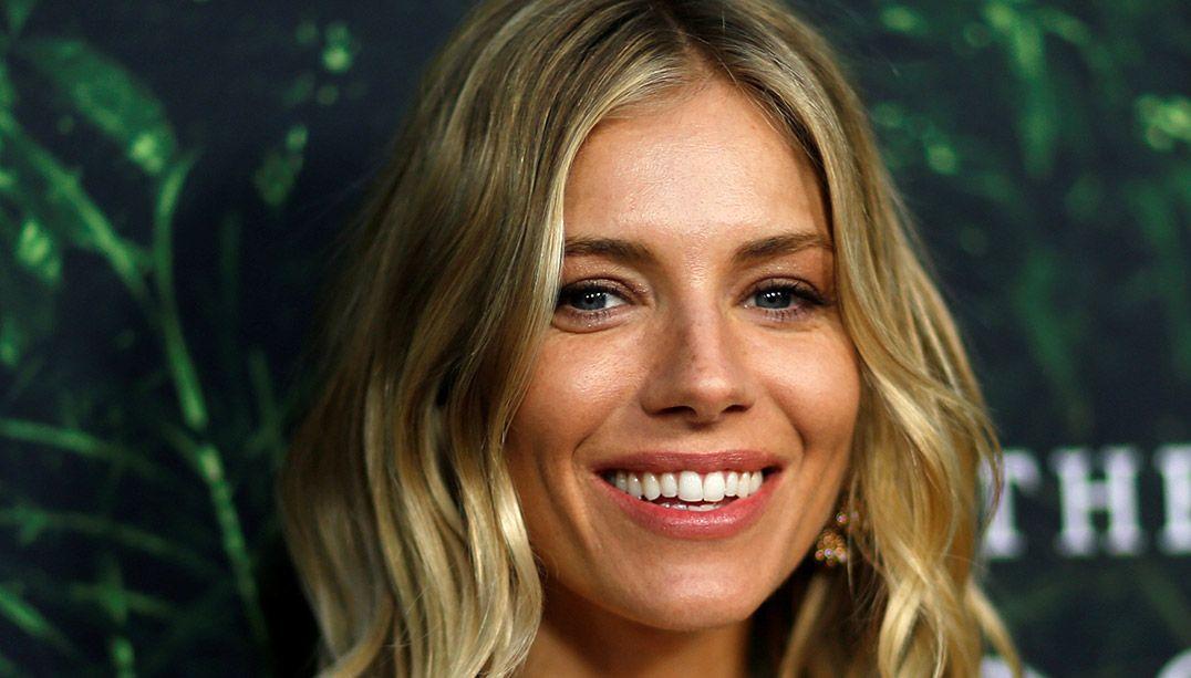 Sienna Miller garante que se dá muito bem com o ex / Mario Anzuoni/Reuters
