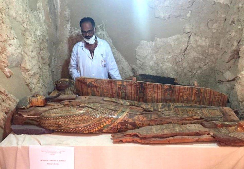 Arqueólogos encontram 6 múmias em túmulo de faraó no Egito