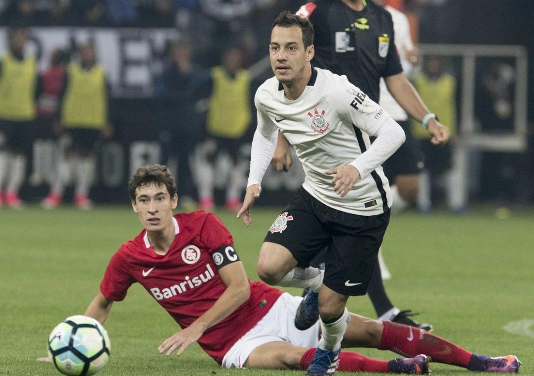 Alguns torcedores reclamaram da ausência de Rodriguinho nos pênaltis / Daniel Augusto Jr/Ag. Corinthians