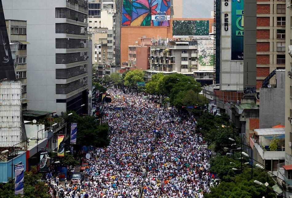 Oposição venezuelana volta às ruas
