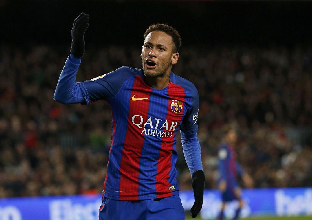 Neymar é um dos destaques do Barcelona, onde forma o trio MSN ao lado de Messi e Suárez / Albert Gea/Reuters