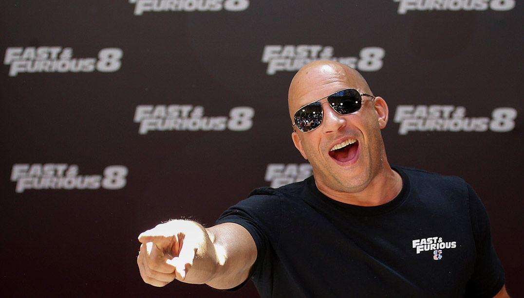 Vin Diesel posa para promover seu filme Velozes e Furiosos 8, em Madri / Sergio Perez/Reuters
