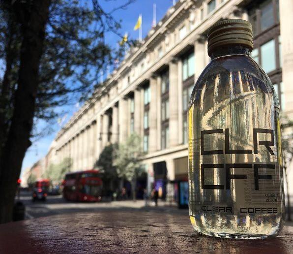 Empresa inglesa lança café transparente