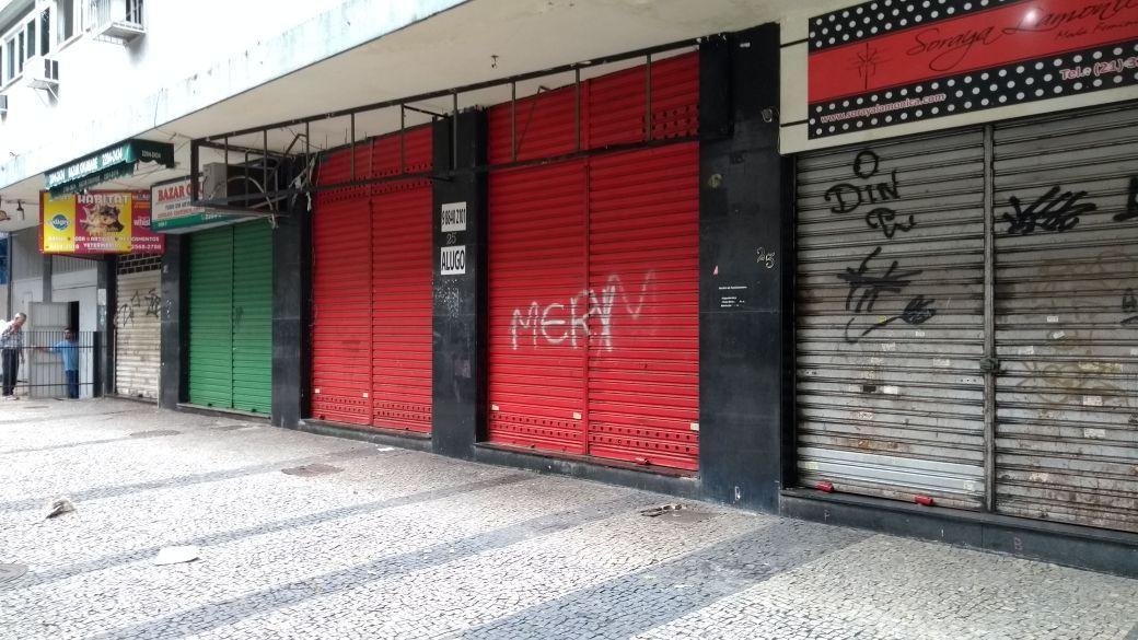 Comércio na Tijuca é fechado após intimidação de criminosos