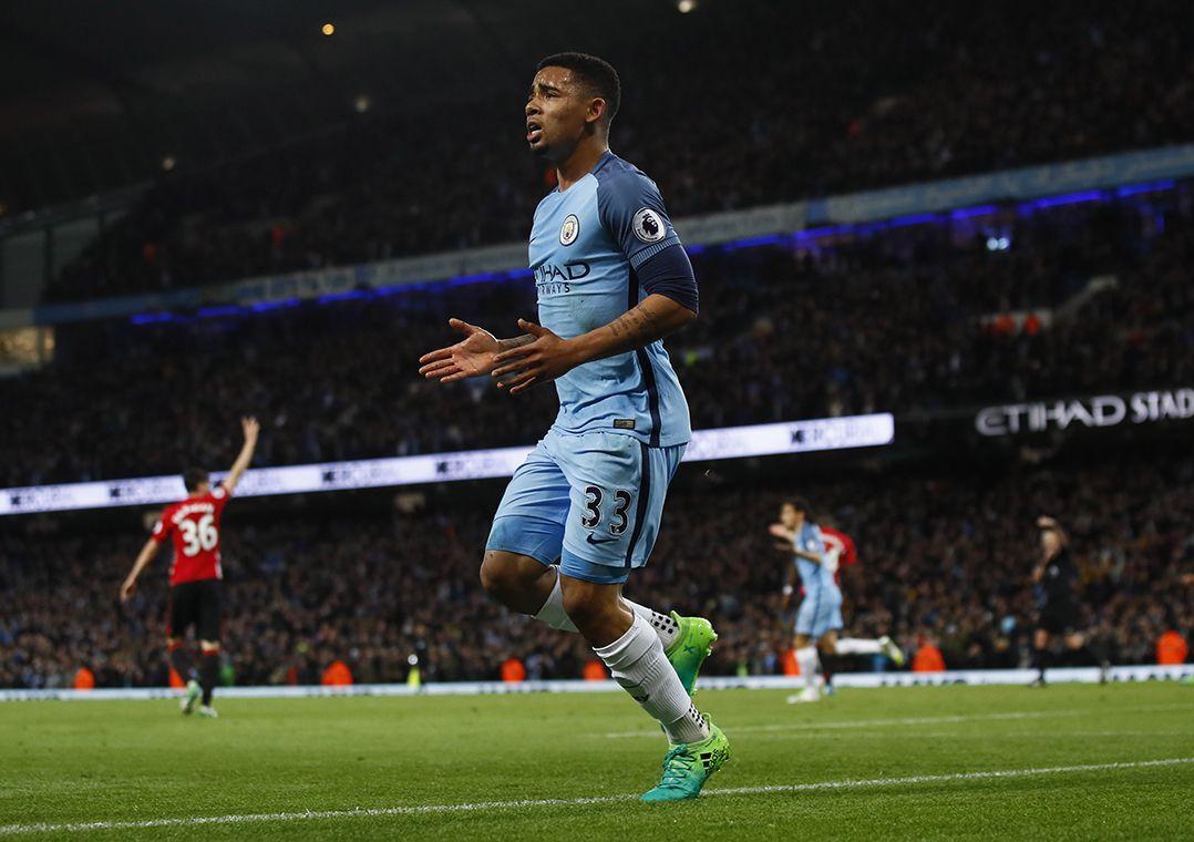 Jesus volta com gol anulado e City empata com United
