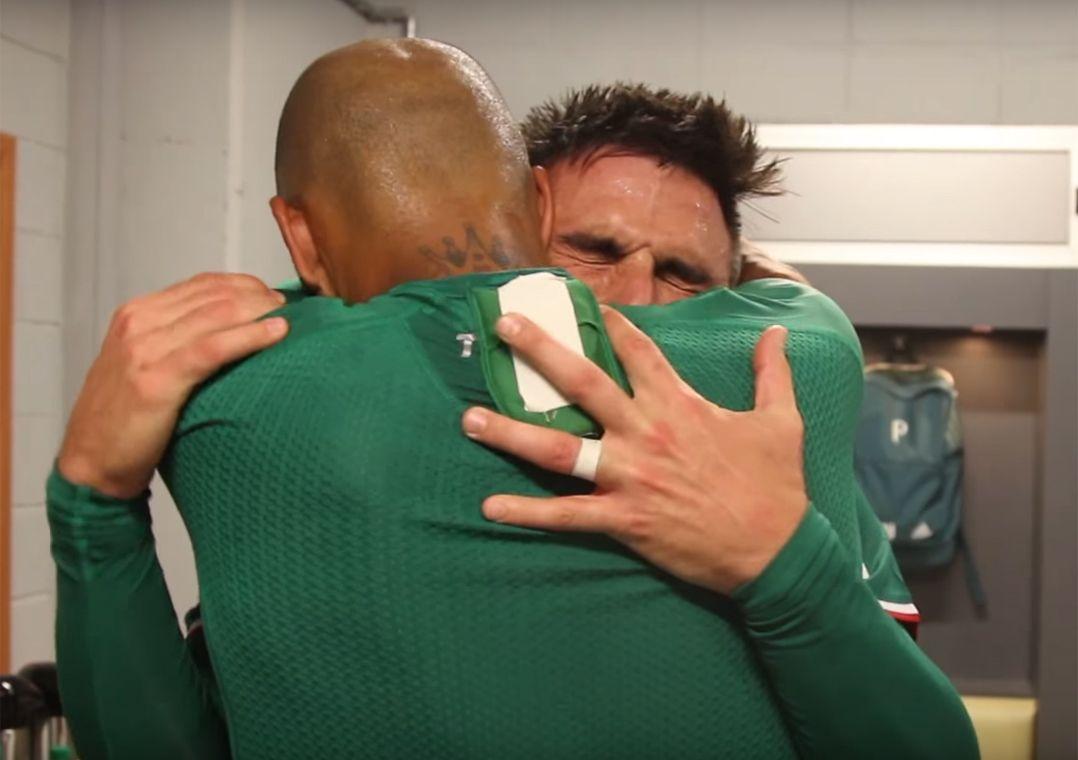 Vestiário teve choro de Willian e grito de Felipe Melo