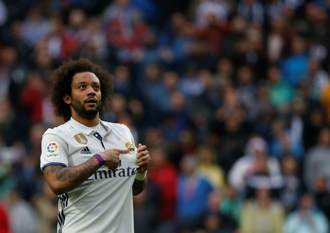 Diego Alves pega pênalti, mas Marcelo salva Real no fim
