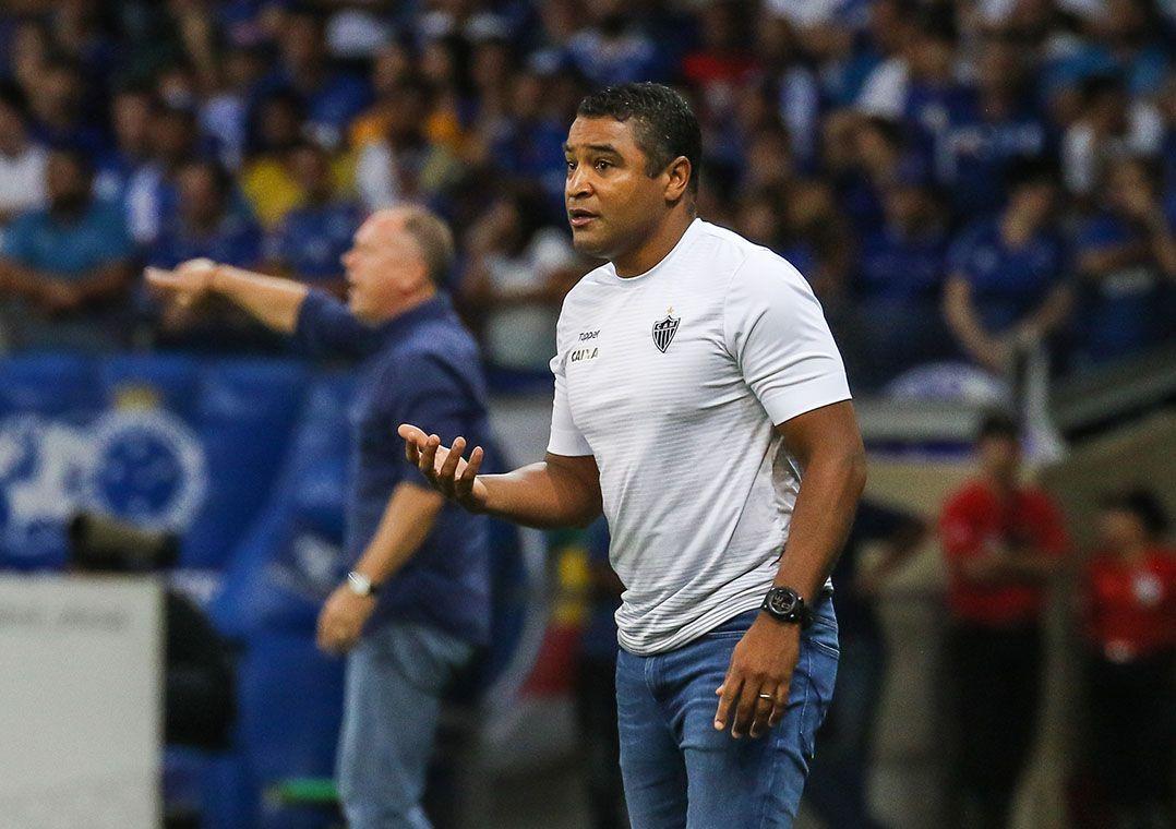 ae17f0b4fc Palmeiras enfrenta Botafogo para marcar despedida de Zé Roberto ...