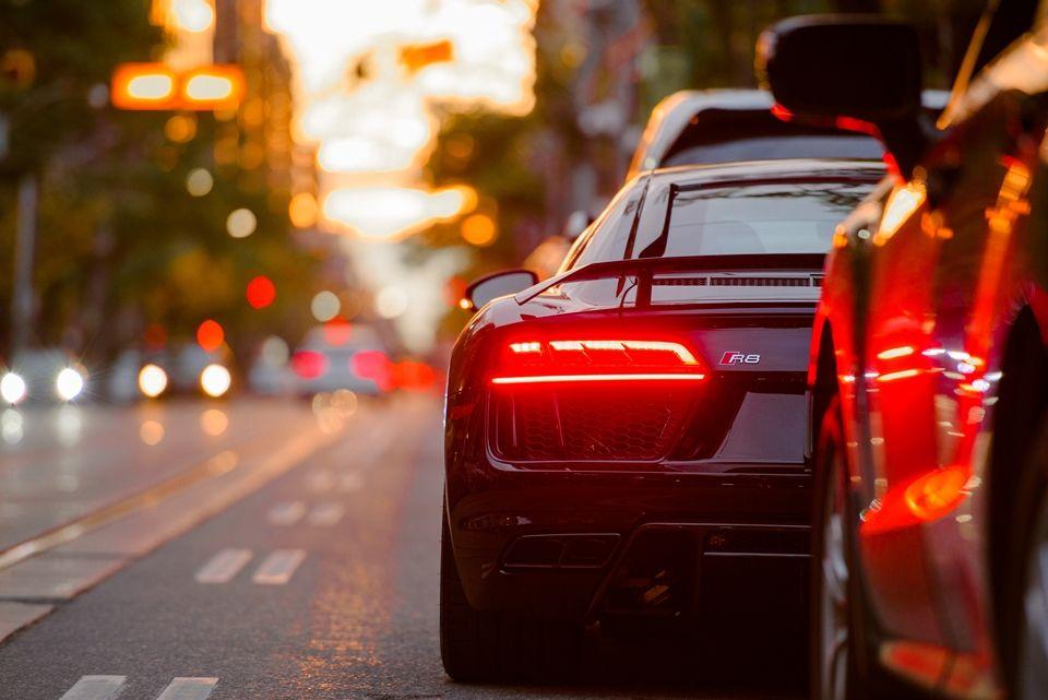 Motorista deverá se autopoliciar para concorrer a prêmios: balanceamento e ingresso para cinema / Unsplash/Divulgação