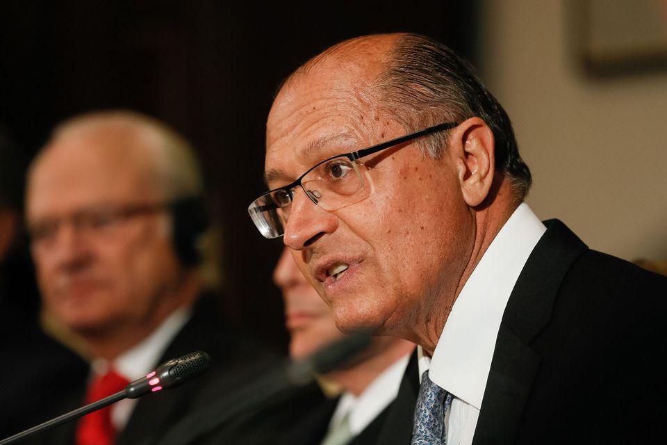 Alckmin diz querer 'tira-teima' com Lula em 2018