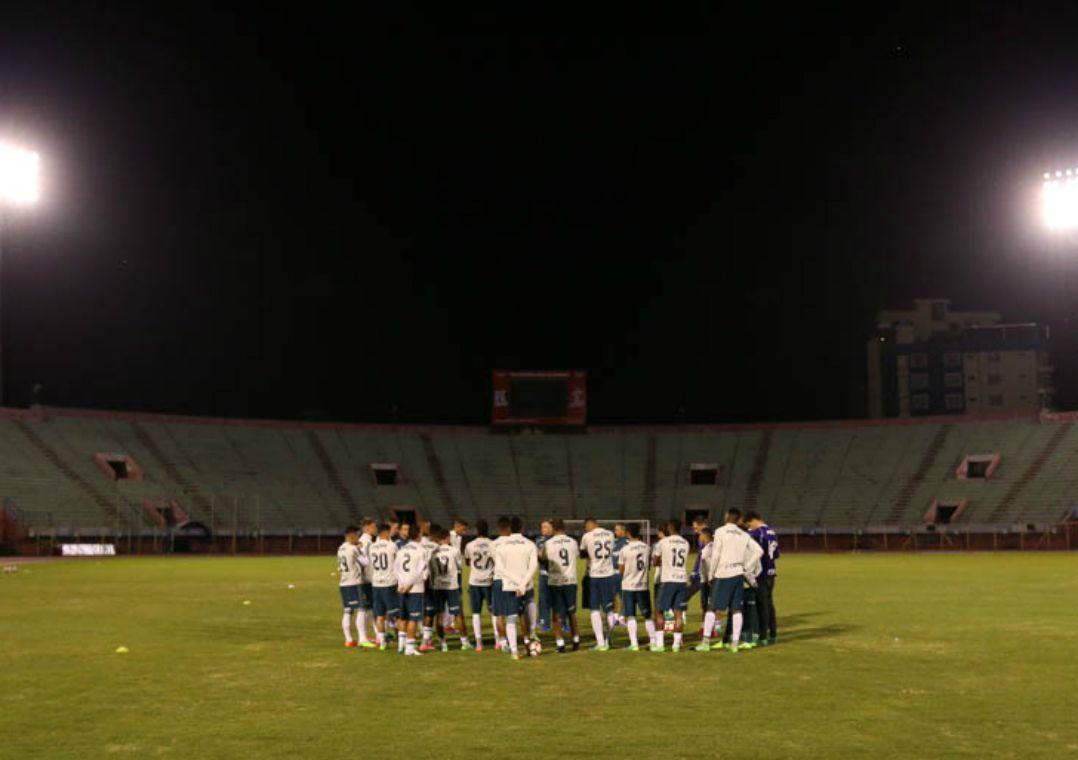 Elenco do Palmeiras reunido na Bolívia