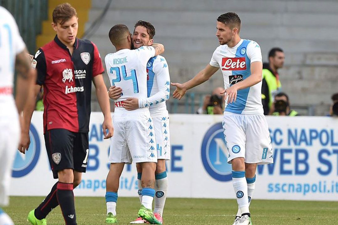 Napoli vence Cagliari e assume vice do Italiano - Band.com.br 6b5ebecf50d8a