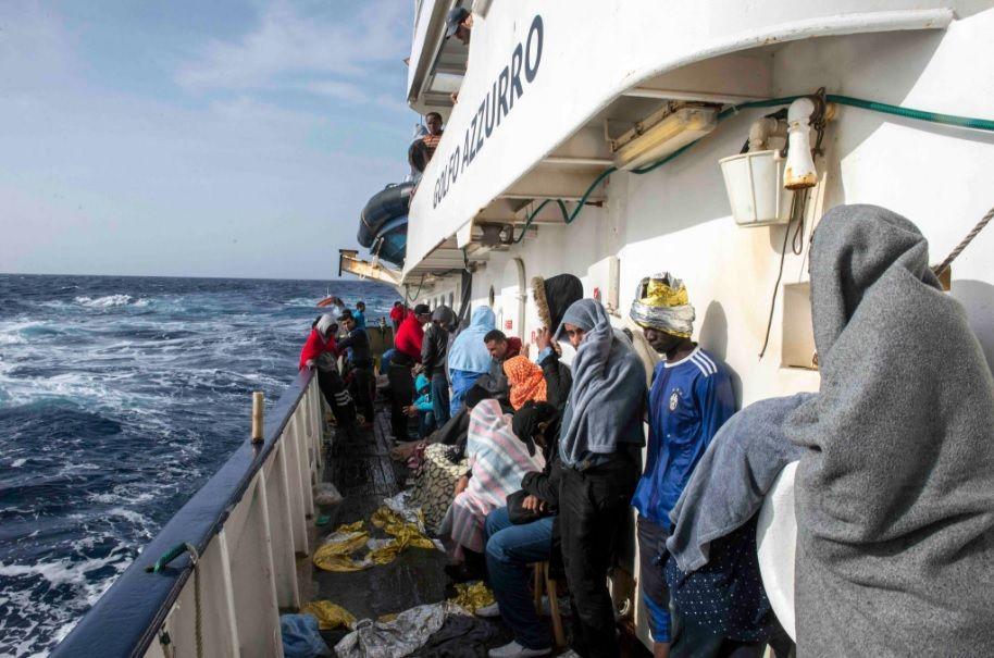 Mais de 500 imigrantes são resgatados no Mediterrâneo