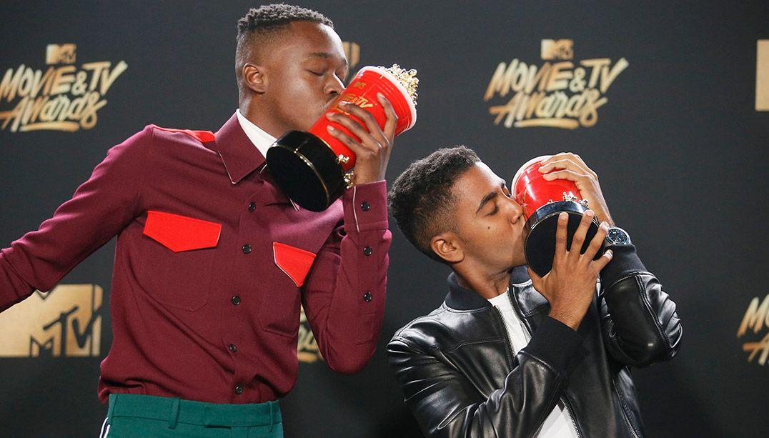 Moonlight ganha prêmio de Melhor Beijo no MTV Movie Awards