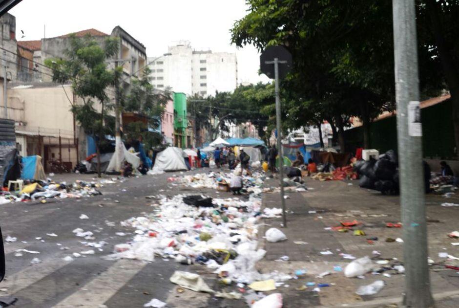 Após confronto, Cracolândia amanhece suja e sem policiamento