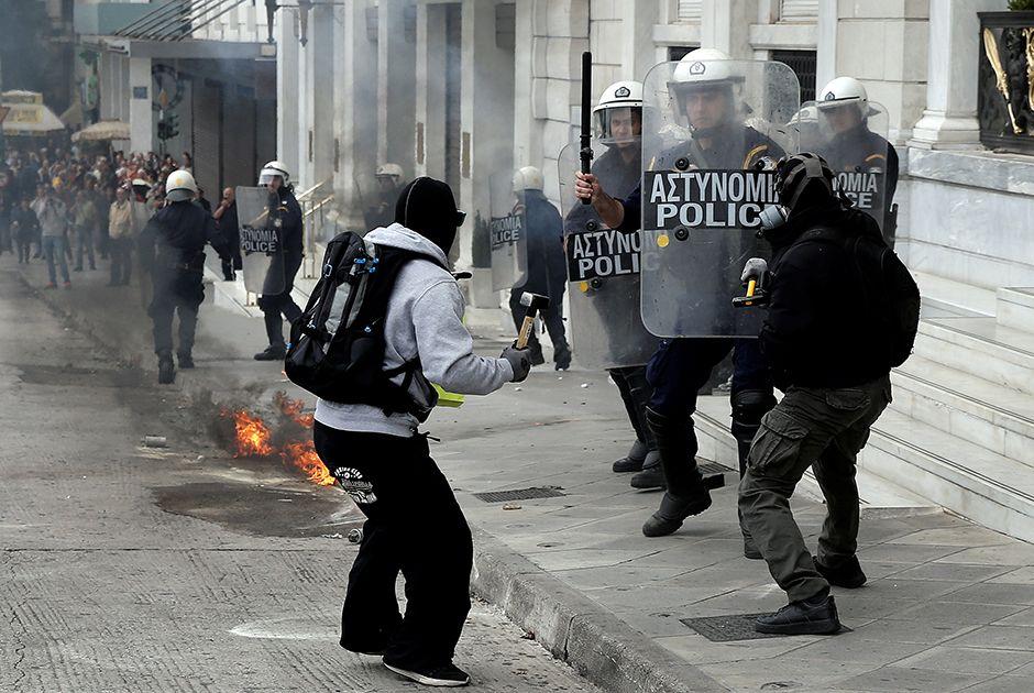 Gregos fazem greve nacional para exigir fim de austeridade