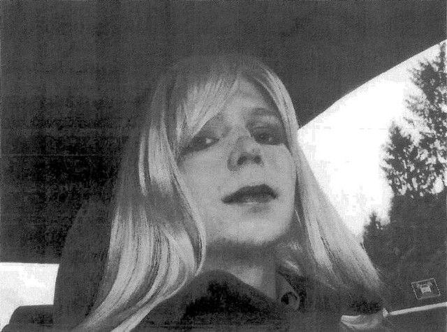 Foto fornecida pelo Exército dos Estados Unidos de Chelsea Manning em 2010 / Divulgação/Exército dos Estados Unidos via Reuters