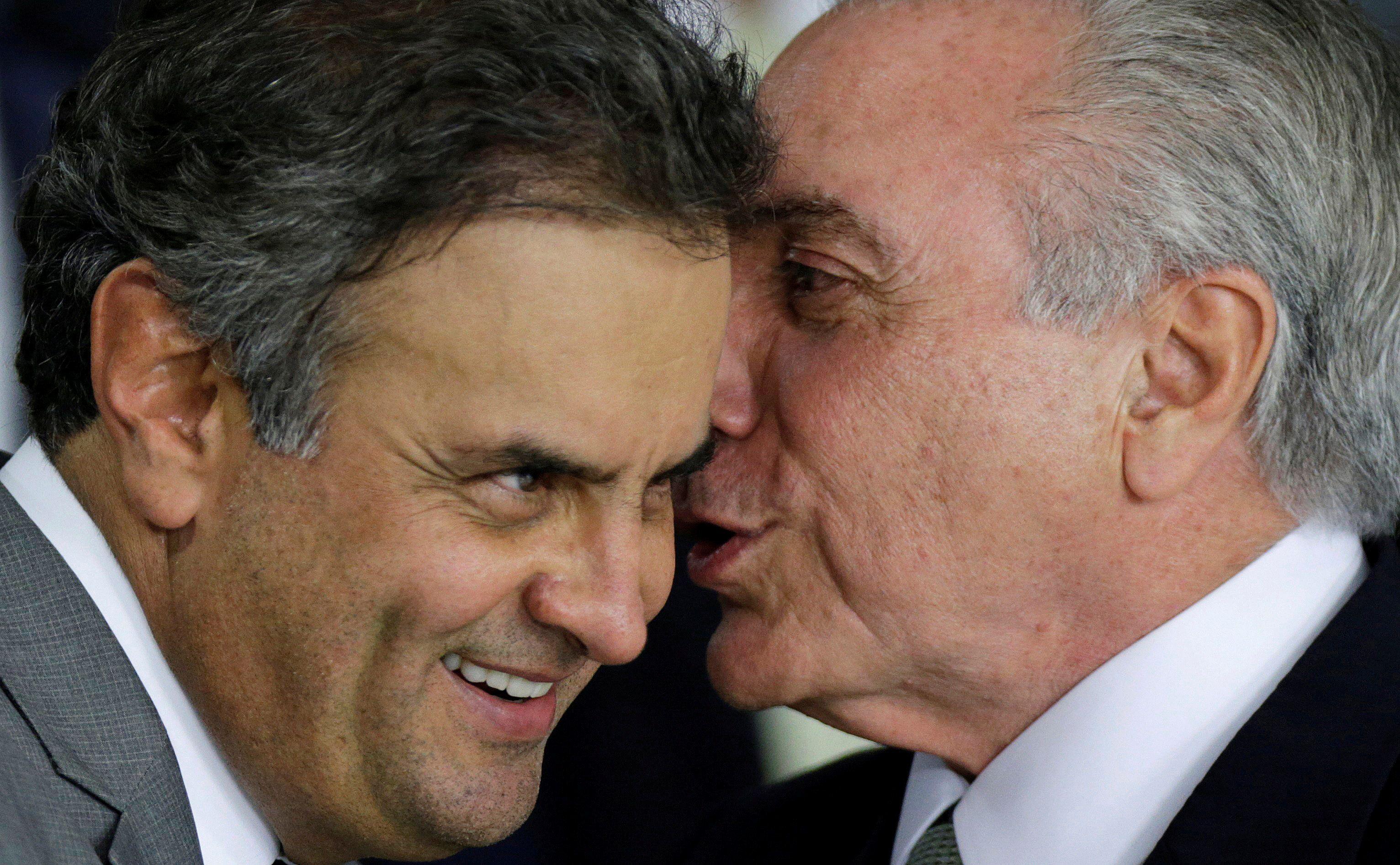 Em gravação, Aécio diz que o presidente iria 'amarelar' na hora de sancionar o projeto que pune o abuso de autoridade / Ueslei Marcelino/Reuters