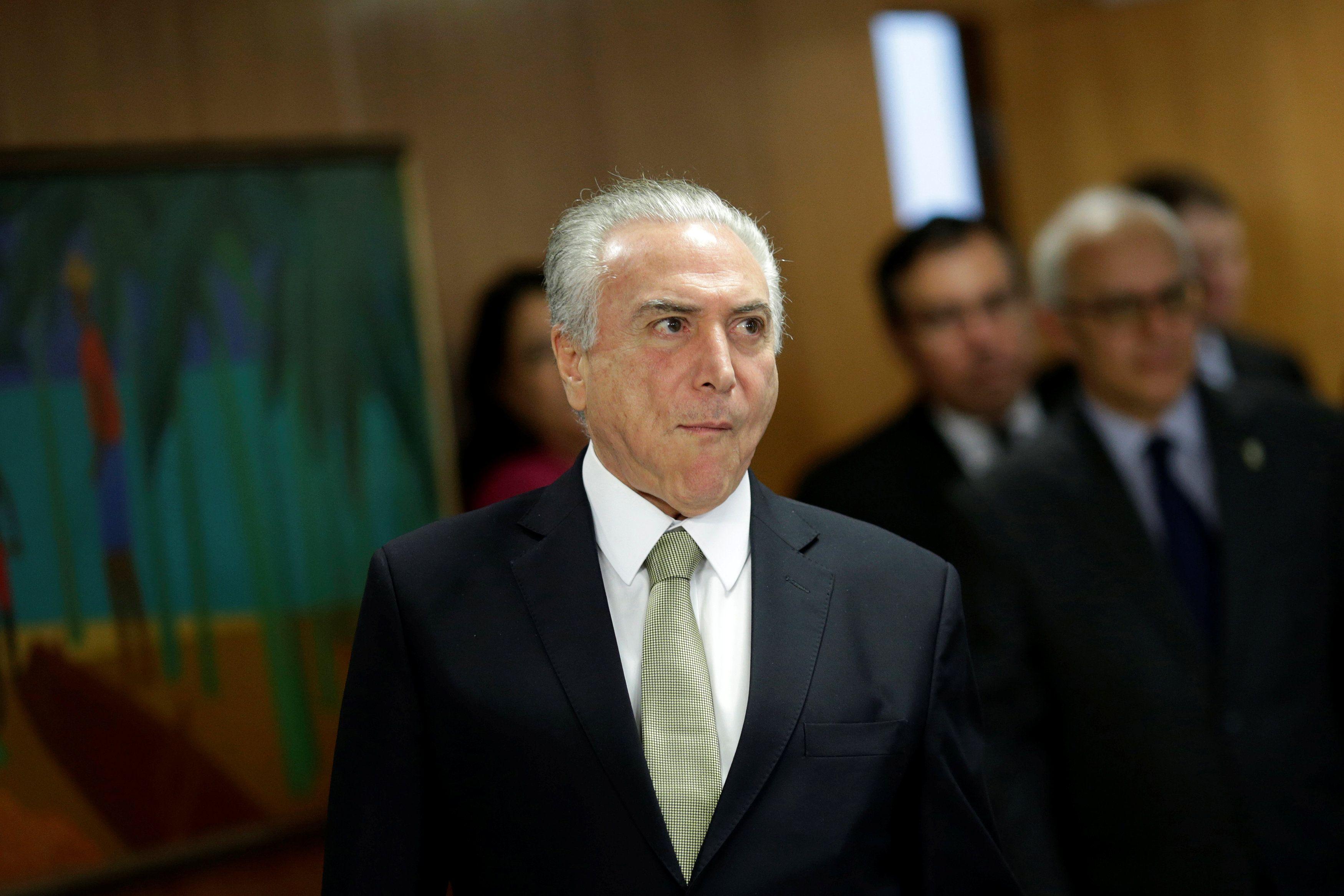 Como havia prometido à Pezão, o presidente Michel Temer assinou o projeto nesta sexta (19). / Ueslei Marcelino/Reuters