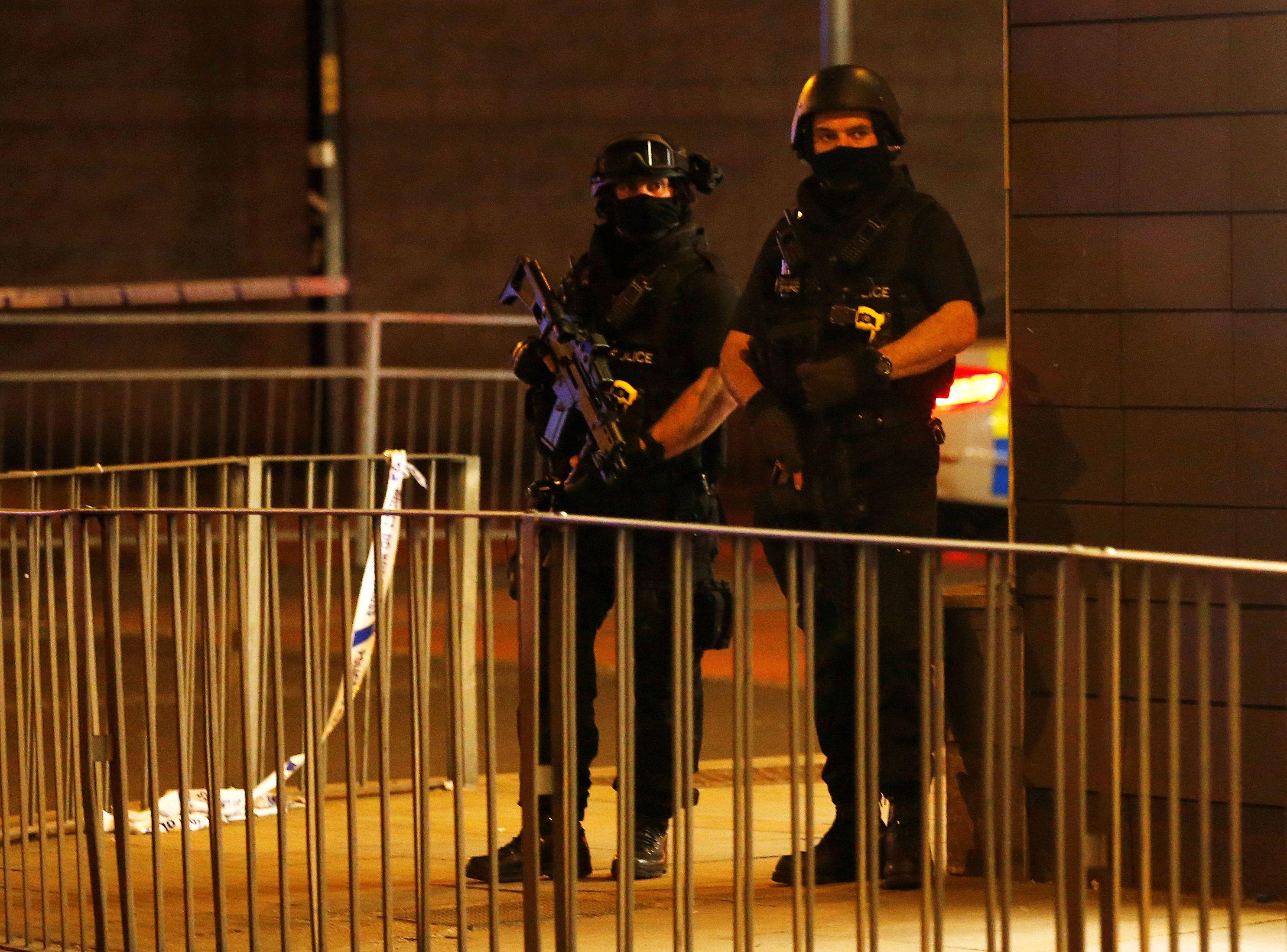 Homem-bomba é suspeito de provocar explosão em show em Manchester
